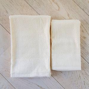 Coppia asciugamani chicco di riso e ciniglia panna