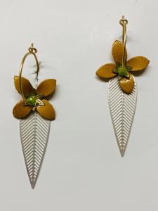 Cerchietti in ottone con ciondoli fiori e foglie
