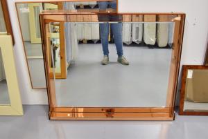 Specchio In Vetro Con Bordo Rosato