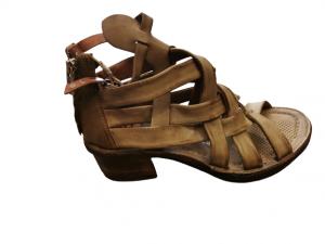 Sandalo donna | in pelle color africa tamponata | con incrocio sul davanti | tacco 5 cm | chiusura laterale Made in Italy