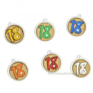 Ciondolo colorato Numero 18 in legno 3.5 cm - Decorazioni compleanno 18 anni