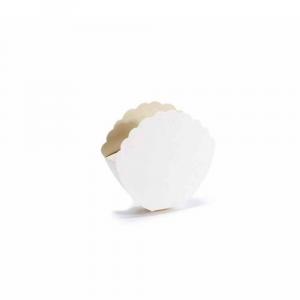 Scatola a conchiglia classica avorio piccola cm 9 x 2,5 x 8