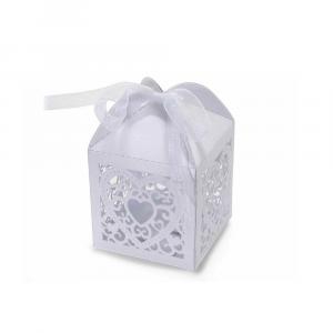 Scatolina bomboniera in carta bianca con intagli cuore cm 5,2 x 5,2 x 7,5 H
