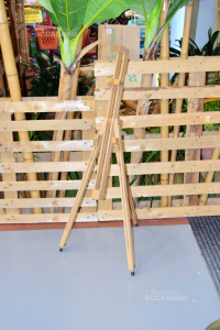 Easel Per Square Wood