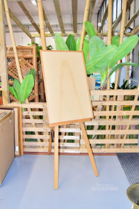 Easel Wood With Panel In Cork