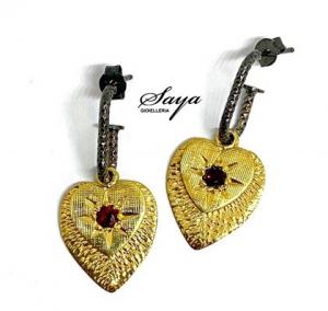Sacramore, orecchini a cuore in argento giallo