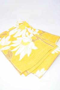 Tablecloth In Linen Yellow With Flowers White 140x174 Cm (fit Irregular)