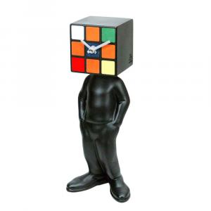 Orologio da tavolo CubicMan nero in resina lavorata a mano