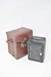 Macchina Fotografica Vintage In Pelle Nera Voigtlander A Soffietto (NON FUNZIONANTE)