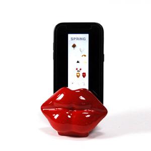 Porta telefono cellulare Mae-West resina bordeaux lucida fatto a mano in Italia