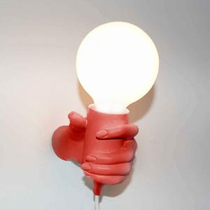 Lampada da parete Mano Donna in resina rosso Made in Italy