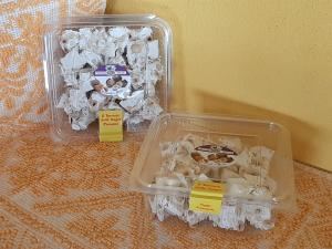 Vaschetta Torrone Nocciole e Miele - Tagliato a pezzi - 400g