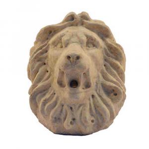 Leone per fontana in marmo Giallo d'Istria scolpito a mano