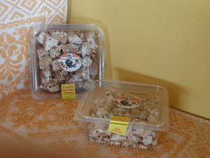 Vaschetta Torrone Mandorle al Miele di Castagno - Tagliato a pezzi - 400g