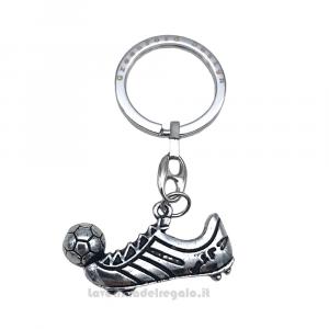 Portachiavi Scarpetta da Calcio con pallone in metallo 3.9x2.1 cm - Bomboniera comunione bimbo