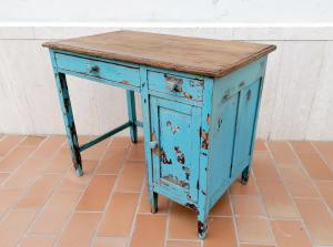 Piccolo scrittoio vintage in legno