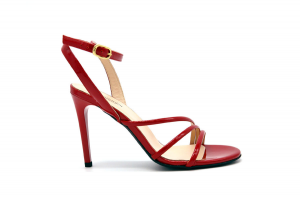 Sandalo elegante in vernice