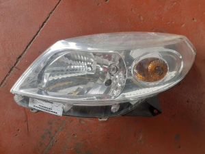 Proiett. sx usato Dacia Sandero 8200733878