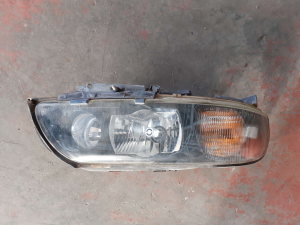 Proiett. dx usato Volvo S60 cod. 89035113