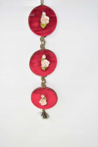 Decorazione Da Appendere Fiorellini Rosa Su Velluto Rosso 32 Cm