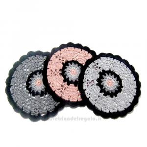 3 pz - Sottobicchiere rosa, grigio e nero ad uncinetto 14cm - Handmade in Italy