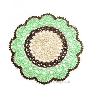 Centrino verde chiaro, beige e marrone ad uncinetto 22 cm - Handmade in Italy