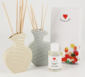 Cuorematto confezione regalo profumatore in ceramica con bastoncini beige D5207