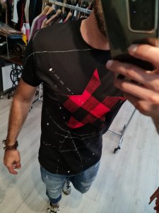 T shirt nera stella