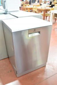 Dishwasher Electroluxxmodel Esf8730roxnew With 3 Trolley Class A + + +
