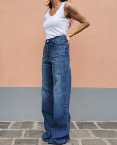 Jeans lungo a gamba larga