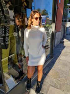 Maxi maglia ciambellone bianca