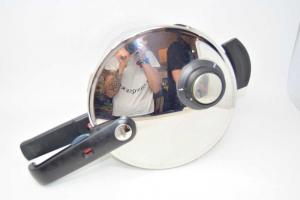 Pentola A Pressione Fissler In Acciaio Inox 4 L + Istruzioni Come Nuova