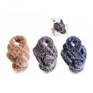 Scaldacollo morbida eco-fur sfumata con chiusura a pompon