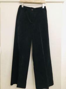 Pantalone donna  nero  in velluto millerighe  taglio cropped  con tasche  made in Italy