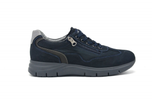 Sneaker in nabuk