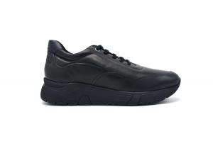 Action 16 sneaker