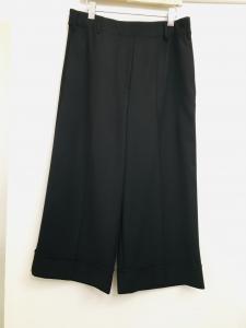 pantalone donna  nero  modello palazzo cropped  con risvolto  con tasche  con dettaglio vita  made in Italy