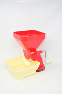 Tomato Squeezer Master In Plastic Red